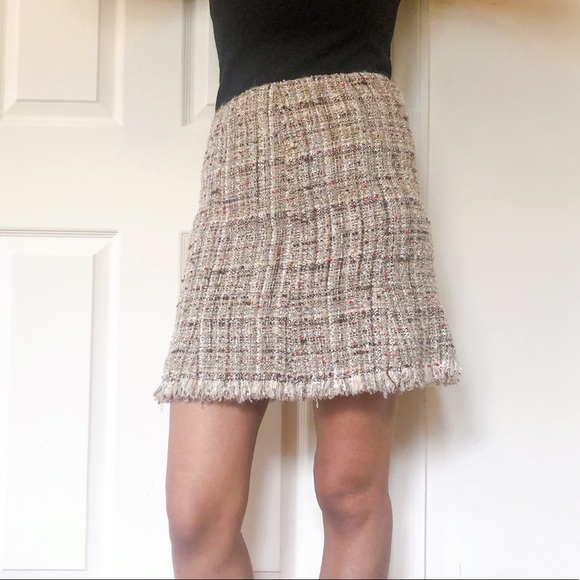 Avenue Montaigne Dresses & Skirts - Avenue Montaigne tweed boucle gold skirt 4 SK